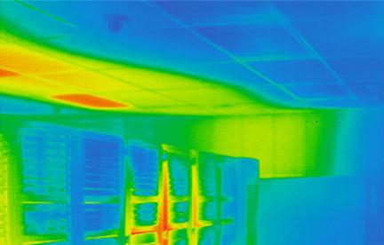 A passzív hűtésű szerverek által felmelegített levegő felfelé igyekszik