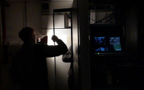 Áramszünet a szerver-teremben alternatív áramellátás nélkül kész rémálom